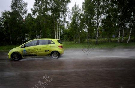 奔驰轿车图片