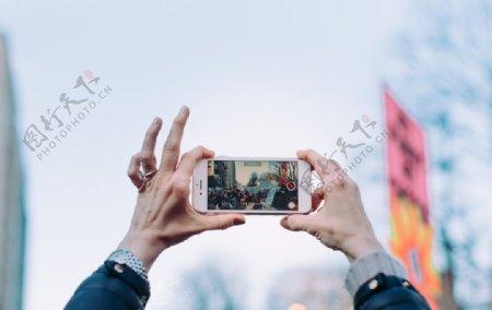 拿手机拍照