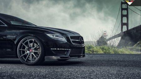 黑色奔驰CLS63