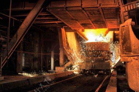 工业生产钢铁炼制图片