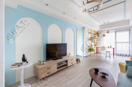 现代浅蓝色背景墙电视机效果图