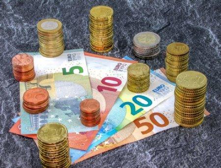 欧元硬币钞票