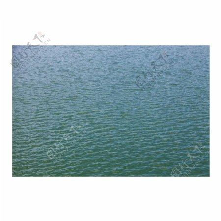 波光粼粼的绿色水面