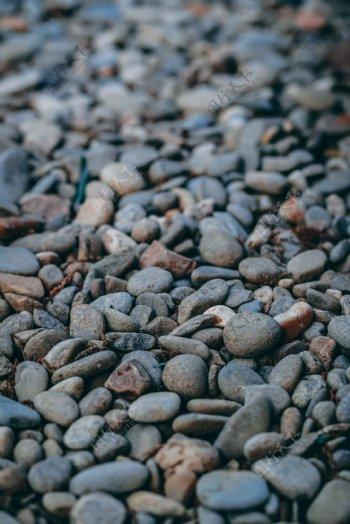 鹅卵石水边石头黑色背景素材