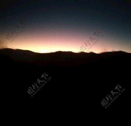 日出霞光图片