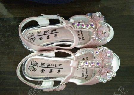 女童凉鞋图片