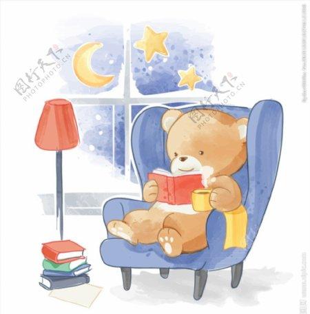 沙发上看书的熊图片