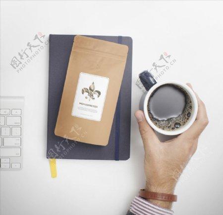 咖啡牛皮纸包装样机图片