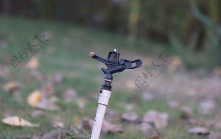 草坪自动灌溉喷淋头图片