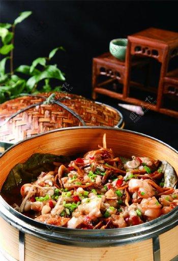 茶树菇蒸牛蛙图片