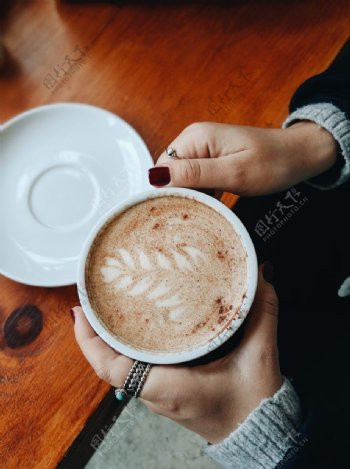 漂亮的咖啡拉花图片