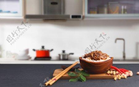 精致的米饭炒菜图片
